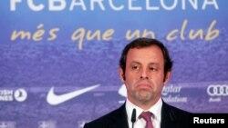 L'ancien président du FC Barcelona Sandro Rosell lors d'une conférence de presse à Barcelona, le 13 juin 2013.