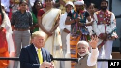 Donald Trump နဲ႔ Narendra Modi အိႏၵိယလူထုနဲ႔ ေတြ႔ဆံု