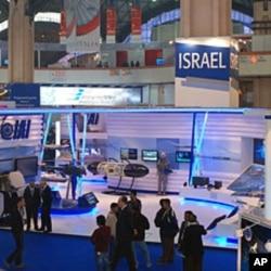 The Israeli exhibit at India's defense show, New Delhi. 15 Feb 2010