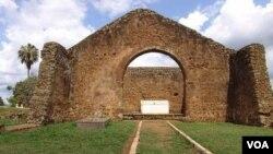 Ruínas da antiga capitaldo Reino do Kongo, Mbanza Kongo