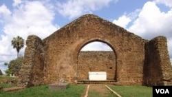 Ruína histórica em Mbanza congo