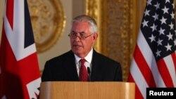 وزیر خارجه آمریکا پس از دیدار با نخست وزیر و وزیر خارجه بریتانیا گفت، توافق کردیم یک کارگروه تخصصی برای اصلاح برجام تشکیل شود.