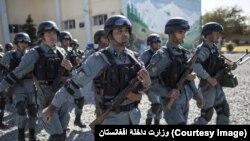 د افغانستان پولیس د تروریستي فعالیتونو په مخنیوي کې د عامو خلکو د همکارۍ لپاره د ۱۱۹ شمیرې ټیلیفوني لیکه هم لري.