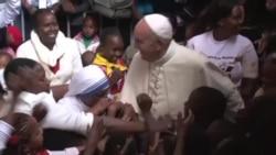 Papa Francis atembelea Kangemi, Kenya