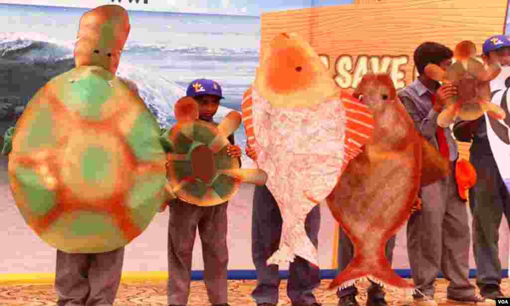 بچوں نے سمندر کی صفائی کے ساتھ ساتھ سمندری حیات کے بارے میں معلومات بھی حاصل کی