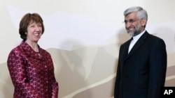 Catherine Ashton et le représentant iranien Saeed Jalili, le 5 avril 2013, au Kazakhstan