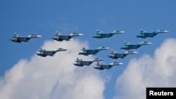 Chiến đấu cơ Su-30SM, Su-34 và Su-35S của Nga.