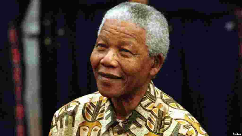 O primeiro Presidente negro da África do Sul pós-Apartheid, Nelson Mandela, morreu em sua casa, em Joanesburgo, a 5 de Dezembro. Tinha 95 anos.