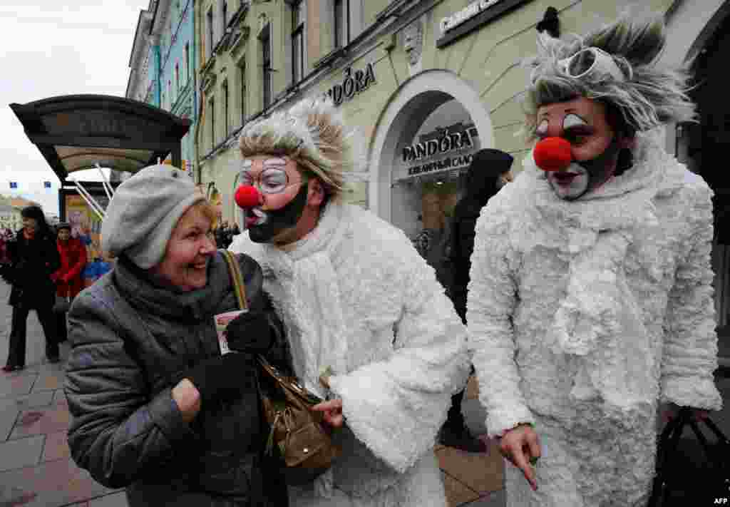 Artists perform in central Saint Petersburg to mark April Fools' Day.