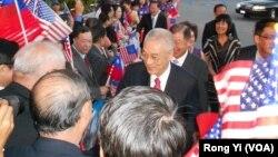 台灣副總統吳敦義過境美國西岸洛杉磯,受到當地僑界熱烈歡迎。