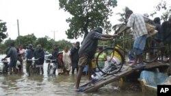 سری لنکا: سیلاب سے 10 لاکھ افراد متاثر، امدادی سرگرمیاں جاری