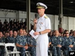 美国海军作战部长约翰·理查森在珍珠港对海军军人讲话(2015年10月13日)