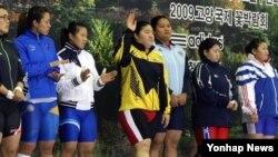 지난 2008년 고양시에서 열린 아시아클럽역도선수권대회에 참가한 한국 역도선수단. (자료사진)