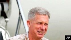 Đại tướng Thủy quân Lục chiến Thomas Walhauser.
