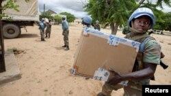 올해 8월 다르푸르 북부 지역에 의약품을 전달하는 유엔-아프리카연합 지원단.