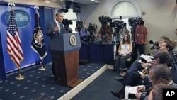 奥巴马总统7月15日在白宫的记者会上回答有关预算谈判的问题