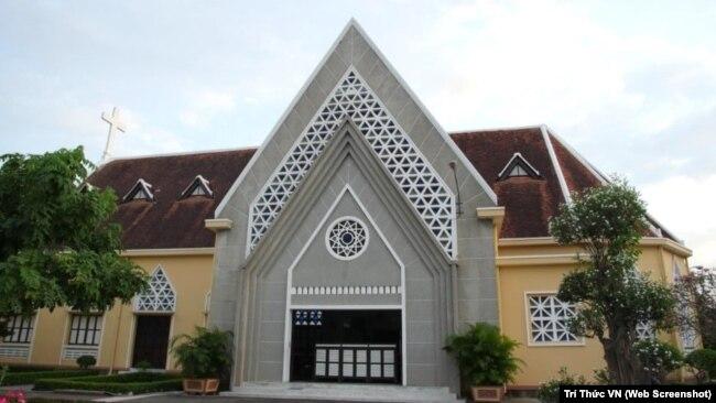 Nhà nguyện tu viện Dòng Mến Thánh Giá Thủ Thiêm.