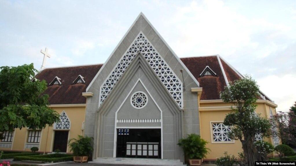 Nhà nguyện tu viện Dòng Mến Thánh Giá Thủ Thiêm, rồi sẽ bị đập bỏ?