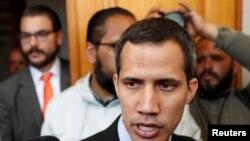 Özünü keçid dövrü prezidenti elan etmiş Venesuela müxalifət lideri Xuan Quaydo
