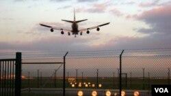 La propuesta que tiene que ser aprobada por la Administración Federal de Aviación y esperan recibir $1.000 millones.