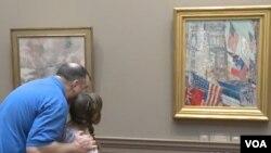 """Bức """"Ngày Đồng minh, Tháng 5 năm 1917"""" được trưng bày tại Phòng Trưng bày Nghệ thuật Quốc gia."""