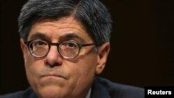 El secretario del Tesoro, Jack Lew, al exponer ante el panel de Finanzas del Senado, dijo que Estados Unidos perderá la autorización para contraer préstamos en una semana.