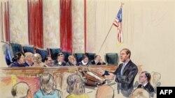Рассмотрение иска о незаконности закона о борьбе с нелегальной иммиграцией в Верховном Суде. Вашингтон, Округ Колумбия