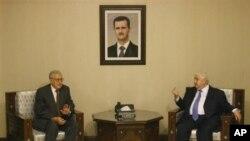 Nûnerê navnetewî yê Sûrîyê Lexder Brahîmî do Pêncşemê ligel Wezîrê Derve yê Sûrîyê Welîd Mualîm kom bû
