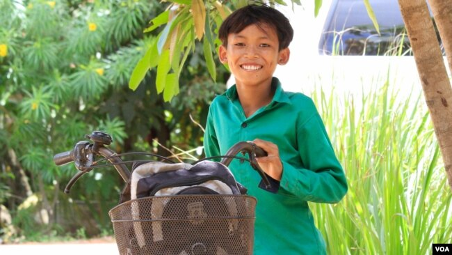Kron Nilmuny, 13, is currently living with his grandparents in Siem Reap, Cambodia, July 17, 2017. (Sun Narin/VOA Khmer)