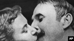 영화사상 최초의 입맞춤 장면이 등장하는 1896작 [키스]