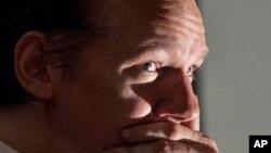 維基揭密的創辦人阿桑奇被國際刑警通緝