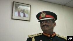 Mantan panglima militer Sri Lanka, Jenderal Sarath Fonseka dibebaskan dengan jaminan 8.000 dolar AS (foto: dok).