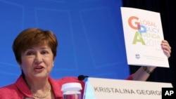 La directora gerente del Fondo Monetario Internacional (FMI), Kristalina Georgieva, habla durante una conferencia de prensa en la reunión anual del Banco Mundial y el FMI en Washington, el jueves 17 de octubre de 2019. (AP Foto / Jose Luis Magana)