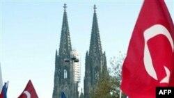 Almanya Neonazi Kurbanı Göçmenleri Anıyor