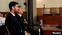 ေဘာလုံးသမား Messi ႏွင့္ ဖခင္ Jorge Horacio Messi