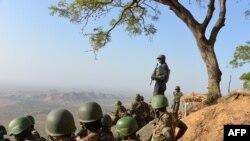 Wanajeshi wa Cameroon wakishika doria kaskazini mwa nchi karubu na kijiji cha Mabass