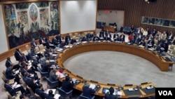Presiden DK PBB, Lyall Grant membacakan pernyataan DK PBB yang memberi dukungan penuh bagi upaya-upaya Kofi Annan di Suriah (21/3).