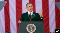 Tổng thống Hoa Kỳ Barack Obama phát biểu tại lễ kỷ niệm Ngày Cựu chiến binh hàng năm ở Nghĩa trang Quốc gia Arlington, ngày 11/11/2015.