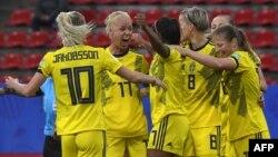 Les joueuses suédoises après un but contre le Chili, France, le 11 juin 2019.