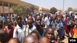 Une manifestation à Lilongwe, Malawi, 14 septembre. (L. Masina/VOA).