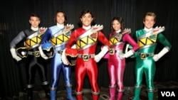Yoshi Sudarso, pria asal Indonesia, yang memerankan tokoh dalam serial TV Power Rangers berwarna biru (foto: courtesy).