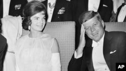 Джон Кеннеди с супругой Жаклин. Вашингтон, округ Колумбия. США. 20 января 1961 г.