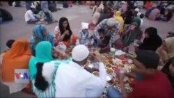 دہلی کے چاندنی چوک میں افطار کے مزے