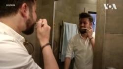 Українці створили екологічну зубну щітку із переробленого паперу. Відео