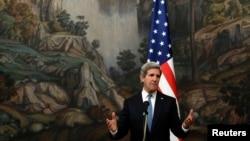 El secretario de Estado John Kerry, realiza su primera visita oficial a Rusia, como máximo representante de la diplomacia estadounidense.