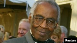 "FILE - Actor Robert Guillaume who starred on the television series ""Benson,"" ""Soap,"" and Sports Night"" poses as he arrives for the ABC television networks 50th anniversary in Hollywood, California, March 16, 2003."