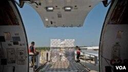 미국 민간 구호단체 '사마리탄스 퍼스'의 지난해 대북 지원물품 항공기 선적 사진. 사마리탄스 퍼스 제공.