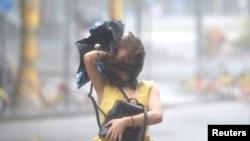 Šendžen, Kina, uoči dolaska tajfuna Manghut