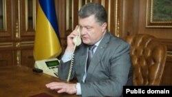 Petro Porochenko estime que les scrutins dans les républiques autoproclamées de Donetsk et de Lougansk sont des « violations flagrantes » du cessez-le-feu (Photo Anna Dydyk)
