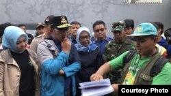 Gubernur Jawa Barat Ridwan Kamil meninjau titik-titik banjir di Kota Bekasi dan Kabupaten Bogor, Kamis, 2 Januari 2020. (Foto Courtesy: Humas Jabar)